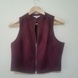 Wine colored cropped zip up vest size Medium